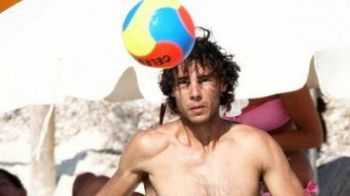 FOTO: Nadal a dat tenisul pentru fotbal, pe o plaja din Ibiza!