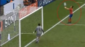 Cel mai EVIDENT penalty din ISTORIE: a prins mingea in maini! VIDEO