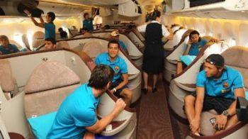 AIR Barcelona! Vezi cum arata avionul in care au calatorit jucatorii la Seul! FOTO
