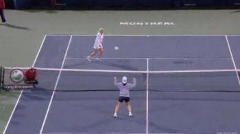 Cea mai sexy jucatoare de tenis a momentului stie si cu mingea: Wozniackis-a bagat la tenis de picior! VIDEO