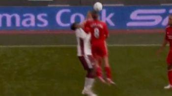 VIDEO! Gerrard, intrare CRIMINALA la Welbeck! L-a facut KO cu un cot in gura!