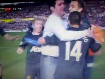 VIDEO / El este cel mai norocos fan al lui United! S-a bucurat cu jucatorii la gol :))