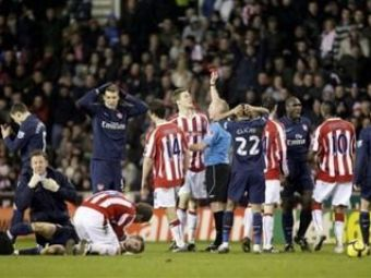VIDEO / S-a spus ca NU va mai juca niciodata fotbal! Ce fotbalist de la Arsenal a revenit dupa o accidentare horror: