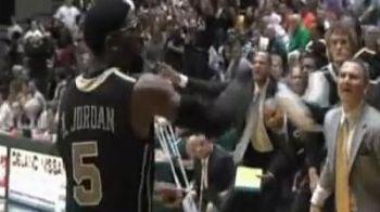 VIDEO: Asa tata, asa fiu! Uite ce poate sa faca urmasul lui Michael Jordan: