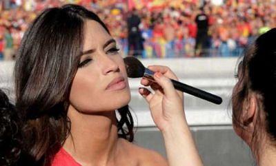 Sara Carbonero femeia cu cel mai fin STIL din Spania!
