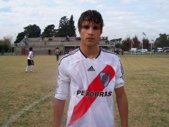 VIDEO AC Milan l-a gasit pe noul Zidane in Argentina! Vezi ce stie Lamela, pustiul de 18 ani de la River!