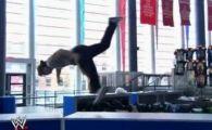 VIDEO: Spiderman e mic copil! Vezi cum se antreneaza pentru meciuri facand PARKOUR in arene!