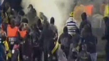 VIDEO-HORROR: Iacob a marcat in minutul 87 si a provocat o BATAIE NEBUNA intre fani si Politie!