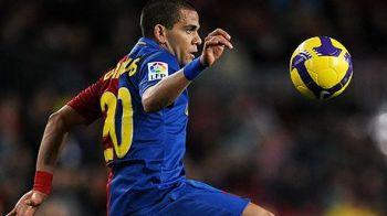 LOVITURA LUNII pentru Barcelona: Dani Alves nu pleaca la City! A semnat prelungirea pana in 2015!