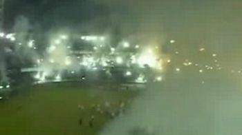 Cati fani ar baga Mitica la puscarie? Ultrasii astia au dezlantuit INFERNUL pe un stadion de fotbal: