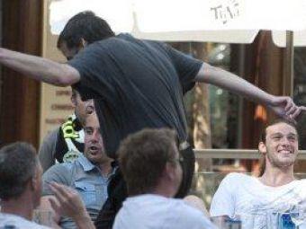 FOTO: Aroganta maxima!Lasati berea sa vina la mine!Cum isi face de cap un jucator de 40 de milioane de euro si il ignora pe fata pe selectionerul Angliei: