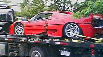 FABULOS! Un agent FBI a distrus un Ferrari de 800.000 de euro confiscat pentru o investigatie! SUPER-FOTO