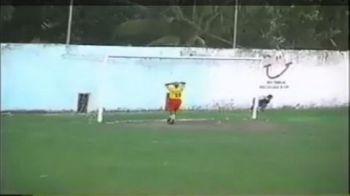 VIDEO INCREDIBIL! Asta e cea mai MARE RATARE din istoria fotbalului! :))