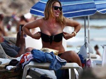 Cat de SEXY este sotia lui Francesco Totti! Vezi super poze cu Ilary Blasi doar in costum de baie!