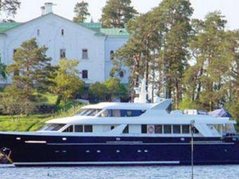 E mai credincios decat Kaka si e singurul rus din lume care se bate cu Abramovic in yachturi! Vezi bijuteria lui de 4 milioane euro!