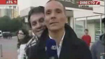 VIDEO! Cel mai caterinca interviu vazut vreodata! Vezi ce a patit reporterul inainte de meci :))