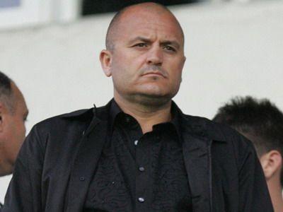 """""""Toata noaptea am visat ca ma tavaleam in pat cu Basescu si Boc, stiam ca o sa fie zi neagra! Cosmarul lui Mititelu: """"Nimeni nu-mi ia echipa!"""""""