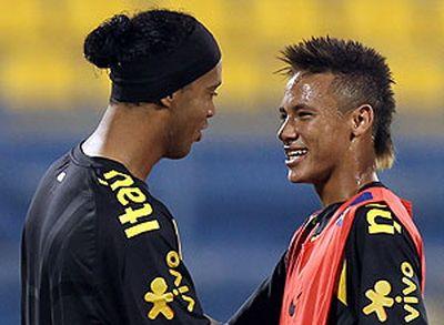 VIDEO: Ronaldinho i-a aratat lui Neymar cum sa fie mai mare ca Messi! R10 si N9 au dat 5 goluri MAGICE in Santos 4-5 Flamengo