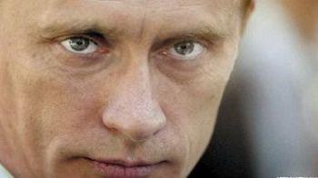 """VIDEO: """" Armata lui Putin"""" ... in spume, prin Moscova! IMAGINI surprinse de o televiziune din Rusia!"""