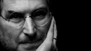 """CUTREMURATOR! """"Tatal"""" Apple, Steve Jobs, a MURIT la doar o zi dupa lansarea ultimului produs!"""