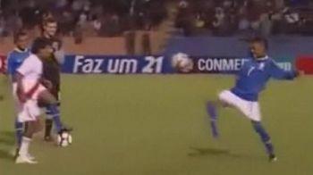 VIDEO Neymar nu se astepta la asa ceva NICIODATA! Un anonim din Peru l-a ridiculizat la jonglerii in fata colegilor!