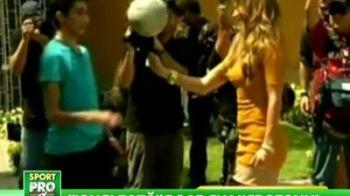 Jennifer Lopez s-a apucat de fotbal! Va fi cea mai SEXY jucatoare din istorie :)