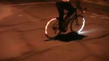VIDEO Acum poti scapa cu VIATA noaptea la pedalat! Cel mai tare mod de a TUNA o bicicleta!