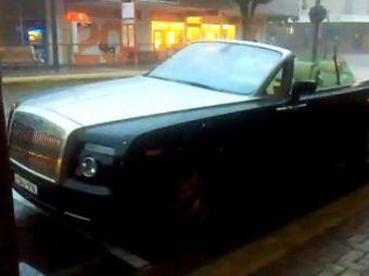 Miliardarul pe care Gigi il priveste invidios cu ranga in mana! :))Cum si-a DISTRUS un Rolls Royce de 700.000 euro! VIDEO