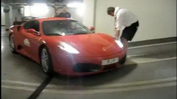VIDEO Ti-ai luat Ferrari si vrei sa te dai mare in mall? TEAPA! Ce a patit soferul unui bolid de 200.000 de euro