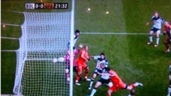 FAZA SCANDALOASA in Anglia: Asta e golul care i-a ORBIT pe arbitri! Jucatorii au turbat cand au vazut ca NIMENI nu l-a validat