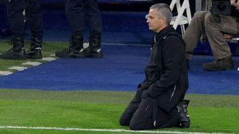 """GENIAL! Un fost antrenor al Stelei anunta ca Mourinho l-a copiat fara rusine! """"Nici macar nu e original cand sta in genunchi pe teren"""""""