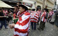 "NEBUNIE in Centrul Vechi! Primele trei cuvinte in romana, invatate de fanii lui Bilbao: ""Mitica la puscarie"" VIDEO"