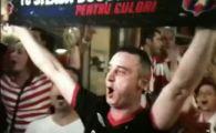 VIDEO Bascii sunt cu Steaua! Fanii lui Bilbao s-au INFRATIT cu galeria Stelei in Centrul Vechi!