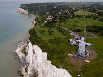 Roy Mantuitorul! Hodgson are statuie U-RI-A-SA in Anglia! E la fel de mare cat e speranta englezilor ca vor castiga EURO! FOTO impresionant!