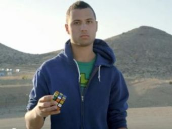 VIDEO: Test imposibil! Reusesti sa rezolvi cubul lui Rubik in cel mai puternic Golf supersport?