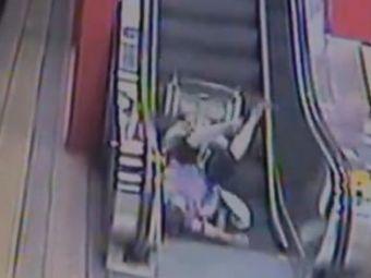 VIDEO: Escrocherie la metrou! Uite ce patesti daca incerci sa prostesti lumea cu uncarcucior cu rotile!