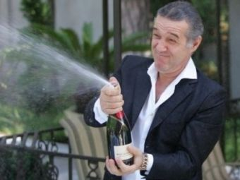 """""""Tata, hai la Palat sa bem!"""" Gigi sarbatoreste cu sampanie cel mai tare transfer din vara asta!"""