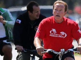 Terminatorul e TERMINAT! N-ai crezut c-o sa-l vezi NICIODATA asa! Cat s-a chinuit Schwarzenegger la o plimbare banala: