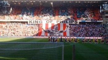 "FABULOS! De la ""batranul de la Milan"" la ""King of Philips!"" Ce primire i-au facut olandezii lui Van Bommel! VIDEO"