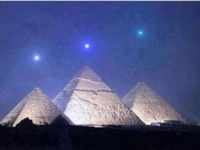Secretul Piramidelor din Giza va fi deslusit dupa 2737 de ani: Ce au programat FARAONII sa se intample pe 3 decembrie 2012! FOTO INCREDIBIL