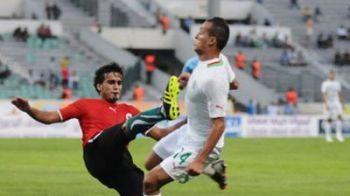 Scene INCREDIBILE la un meci de fotbal: Jucatorii nationalei Libiei au vrut sa isi LINSEZE adversarii! Un algerian a replicat cu o lovitura care il face invidios si pe Badr Hari: