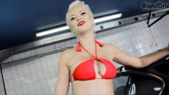 VIDEO: Rusoaicadin Playboyface showlaspalatorie cu un furtun, multa apa si spuma!