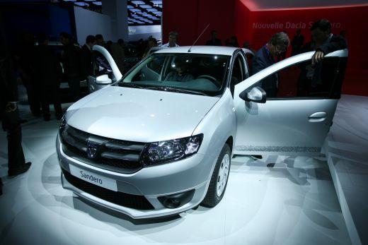FOTO Dacia a lansat OFICIAL noile Sandero, Logan si Stepway la Salonul Auto de la Paris! Vezi aici lista de PRETURI: