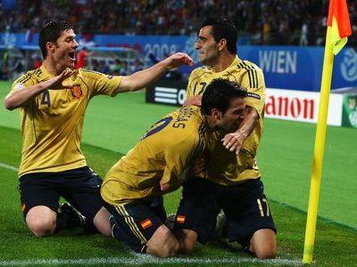 A condus Spania catre finala EURO si a fost cumparat pe o suma uriasa, acum se zbate in MALAEZIA! Povestea fotbalistului care a avut o tara intreaga la picioare: