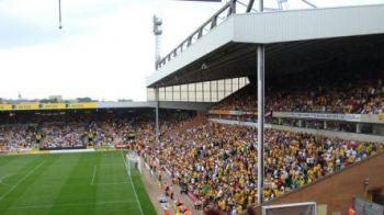 NEBUN sau fanatic? Cum l-au surprins camerele pe un fan al lui Norwich! United a pierdut meciul cu echipa lui, iar tanarul a inceput 'fiesta' in tribuna! VIDEO
