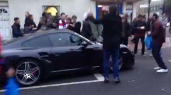 VIDEO GENIAL! Fanii NEBUNI s-au pus in fata masinii ca sa-i arate cat de mult il iubesc! Momente GENIALE dupa un derby de senzatie in Londra
