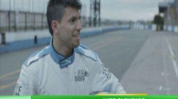 Aguero s-a facut pilot de curse! Si-a luat viteza pe pista, la fel cum vrea sa faca si pe teren! VIDEO