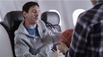 'Messi? Kobe Bryant?' Leo a ramas INTERZIS! Un pusti i-a dat IGNORE in avion! Faza GENIALA la care ORICE copil ar fi facut la fel