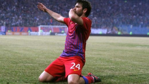 OFICIAL! 'The Guardian' il trimite pe Rusescu direct in istorie! Bijuteria lui Raul este in topul celor mai frumoase goluri din 2012! VIDEO