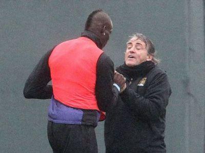 Rasturnare de situatie la City! Balotelli SCAPA dupa ce si-a atacat antrenorul, Mancini are probleme! Mesajul seicilor:
